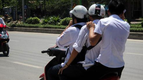 Khi nào được 'kẹp 3' trên xe máy tham gia giao thông?