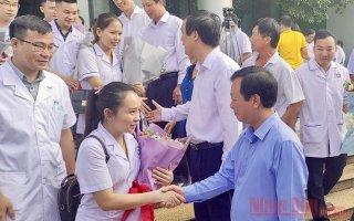 Phú Thọ cử 38 y, bác sĩ hỗ trợ Quảng Nam chống dịch