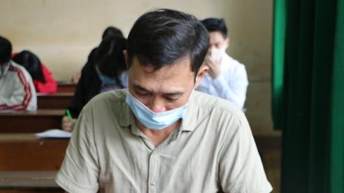 Cựu binh 53 tuổi vẫn đi thi tốt nghiệp ở Đắk Nông