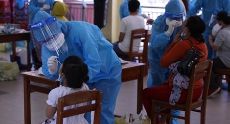 Đà Nẵng xét nghiệm SARS-CoV-2 cho hơn 764 du khách TP Hồ Chí Minh