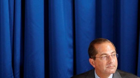 Chuyến đi đầy kịch tính của Bộ trưởng Y tế Mỹ tới Đài Loan
