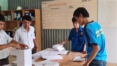 Hỗ trợ 13 máy rửa tay sát khuẩn tự động cho các điểm thi Ninh Thuận