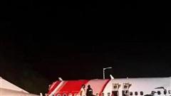 Hành khách bàng hoàng kể lại giây phút máy bay Ấn Độ vỡ đôi