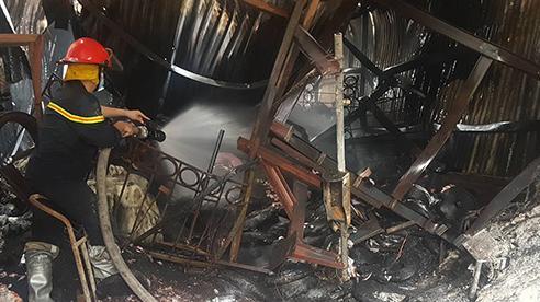 Giám đốc ở Hà Nội hầu tòa vì xưởng sản xuất cháy, 8 người chết