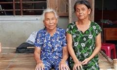 Cảnh giác: 'Cô gái từ thiện' chuyên thăm người già