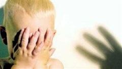 Người phụ nữ nghi siết cổ con ruột do bé 'mắc bệnh hiểm nghèo'