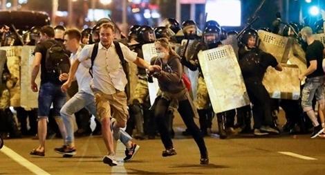 Nhân vật đối lập không công nhận kết quả bầu cử, biểu tình nổ ra ở Minsk