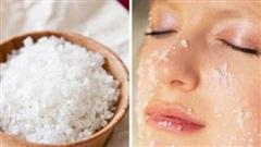 Pha nước muối rửa mặt, da trở nên sáng hồng mịn màng