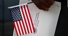 Ngày càng nhiều người dân xứ Cờ hoa muốn từ bỏ quốc tịch Mỹ