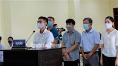 'Hô biến' lúa thành hoa ly gây thất thoát tiền tỉ, 5 cựu cán bộ TP Thanh Hóa hầu tòa
