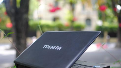 Toshiba rút lui khỏi mảng sản xuất máy tính