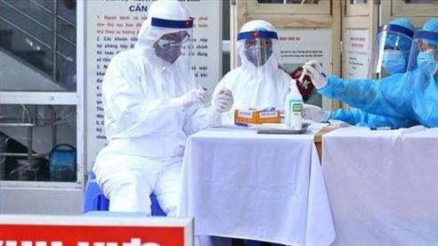 Hà Nội phải đạt được 10.000 - 12.000 mẫu xét nghiệm PCR mỗi ngày