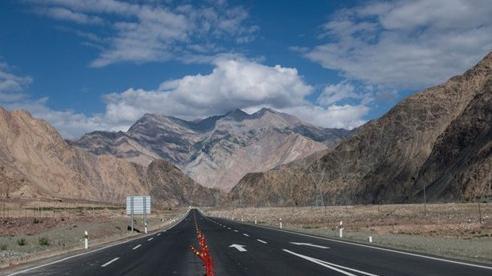 Trung Quốc bắt tay với Pakistan làm dự án đường sắt 6,8 tỷ USD tại tam giác tranh chấp