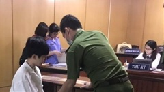 TP HCM: Lãnh 5 năm tù vì ngủ xong 'chôm' tiền và tài sản khách ngoại