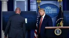 Tổng thống Trump được sơ tán sau tiếng súng nổ gần Nhà Trắng