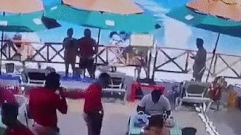Đang dùng bữa, nhóm thực khách bị mô tô nước 'điên' tông trúng