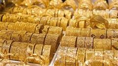 Giá vàng hôm nay 11/8: Giảm khủng khiếp, người mua vàng đợt đỉnh lỗ chồng lỗ