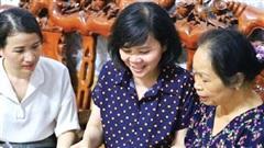 'Bản di chúc bằng thơ' được trao tặng Bảo tàng Phụ nữ Việt Nam