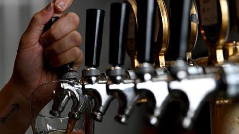 Bia Australia ế do lệnh phong tỏa được chuyển thành năng lượng tái tạo