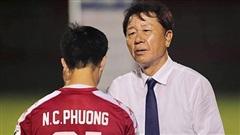 CLB TPHCM 'ngẫu hứng': Lo cho thầy Chung và Công Phượng