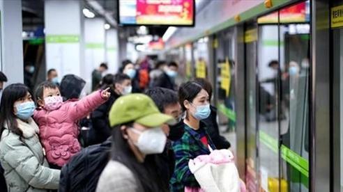 Người dân Vũ Hán, Trung Quốc dần trở lại cuộc sống bình thường