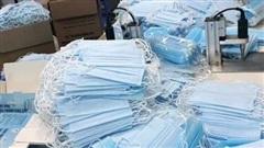Phát hiện 30 thùng khẩu trang không rõ nguồn gốc