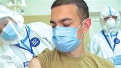 'Đơn giản, hiệu quả, đáng tin': Chuyên gia Nga phản bác những hoài nghi về vaccine COVID-19