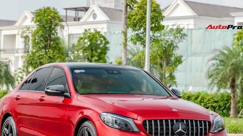 Mercedes-Benz C 300 AMG bán lại giá hơn 1,7 tỷ: Chi tiết cản sau kiểu F1 gây chú ý