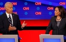 Tổng thống Trump gọi đối tác tranh cử của ông Biden là 'đồ giả tạo'