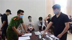 Phạt hơn 140 triệu đồng, trục xuất 7 người Trung Quốc thuê khách sạn tổ chức đánh bạc trực tuyến