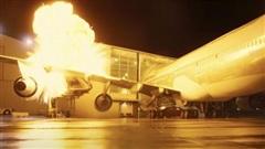 Đạo diễn cho nổ máy bay thật để phục vụ cảnh phim