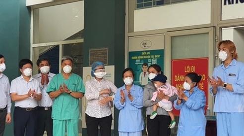 Thêm 10 bệnh nhân COVID-19 được chữa khỏi bệnh, trong đó có bé 1 tuổi ở Đà Nẵng