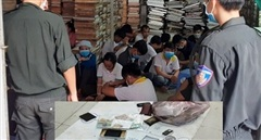 40 công nhân tranh tranh thủ nghỉ trưa sát phạt hơn trăm triệu đồng