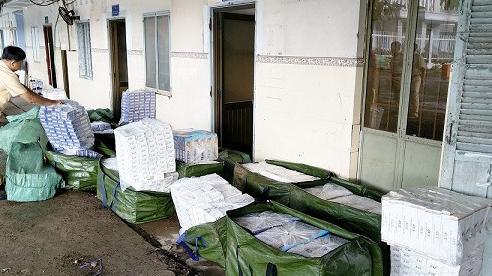 Thu giữ số lượng lớn thuốc lá ngoại nhập lậu ở An Giang