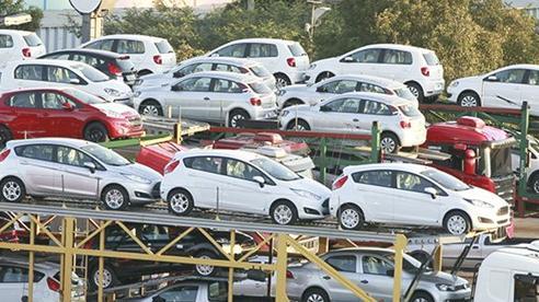 Nhập hơn một tỷ USD ô tô trong 7 tháng