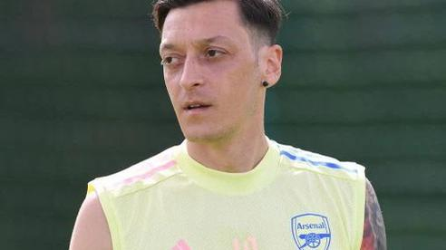 Ozil quyết 'bám' Arsenal đến cùng