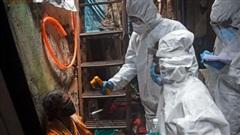 Tỷ lệ mắc Covid-19 cao kỷ lục, các khu ổ chuột ở Mumbai bị đẩy vào con đường miễn dịch cộng đồng bất đắc dĩ
