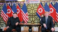 Sách mới tiết lộ quan hệ thân thiết của Kim-Trump