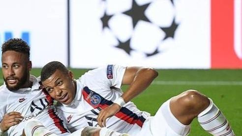 Neymar nói gì sau màn ngược dòng 'không tưởng' của PSG trước Atalanta?