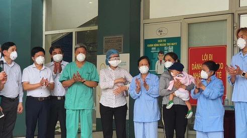 Thêm 10 bệnh nhân Covid-19 điều trị tại Đà Nẵng khỏi bệnh và xuất viện