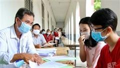 Học sinh trúng tuyển lớp 10 nộp hồ sơ trong ngày 14 và 15-8