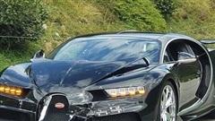 Siêu phẩm Bugatti Chiron cùng Porsche 911 'nát đầu' trong tai nạn triệu đô