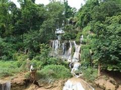 [Video] Độc đáo thác nước cao hơn trăm mét trên cao nguyên Mộc Châu