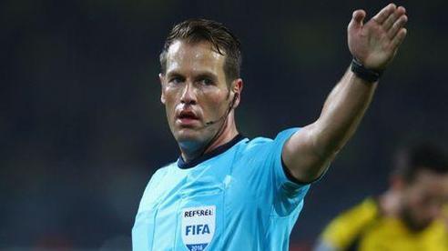 Lyon đòi thay trọng tài trận gặp Man City tại tứ kết Champions League