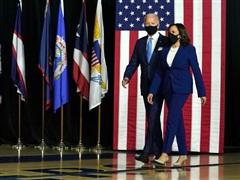 Mỹ: Bộ đôi tranh cử đảng Dân chủ kêu gọi bắt buộc đeo khẩu trang