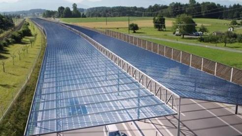 EU nghiên cứu phát triển điện mặt trời trên đường cao tốc