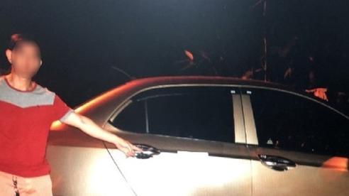 Khởi tố nhóm thanh niên kề dao vào cổ tài xế taxi cướp tài sản