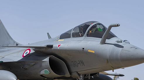 Pháp gửi hai máy bay chiến đấu cùng khinh hạm tới Đông Địa Trung Hải giữa lúc căng thẳng với Thổ Nhĩ Kỳ