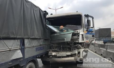 'Hung thần' gây tai nạn liên hoàn trên cầu vượt cửa ngõ Sài Gòn