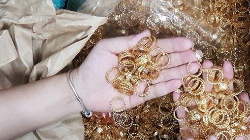 Hé lộ thủ đoạn của nhóm thanh niên dùng nhẫn vàng giả để 'tri ân', lừa 18.000 người